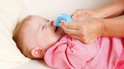 Aspiratore nasale in azione