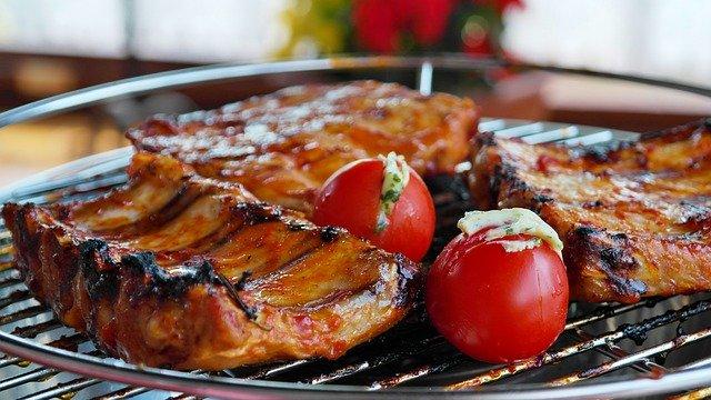 Bistecche sul barbecue